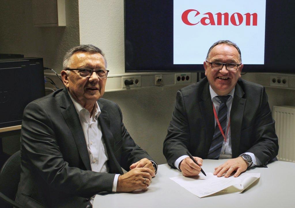Erfolgreicher Vertragsabschluss Canon