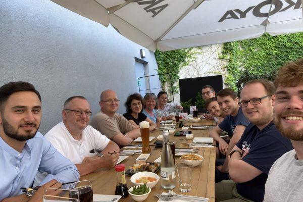Gemeinsames Essen im Akoya Karlsruhe